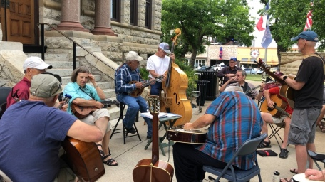 Local musicians are a treat on the weekends.