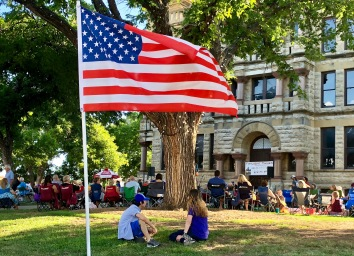 Summer music at Courthouse-on-the-Square