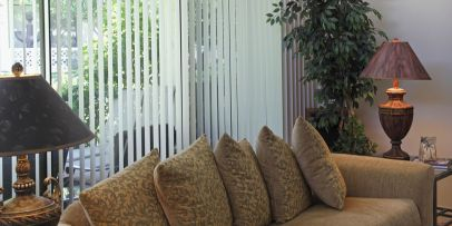 home-trends-vertical-blinds-1490208381